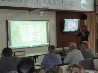 RNDr. Dušan Žitňan, DrSc. so svojou prednáškou o nových poznatkoch modráčikov rodu Maculinea